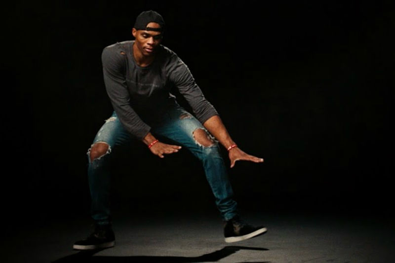 Russell Westbrook, bailando