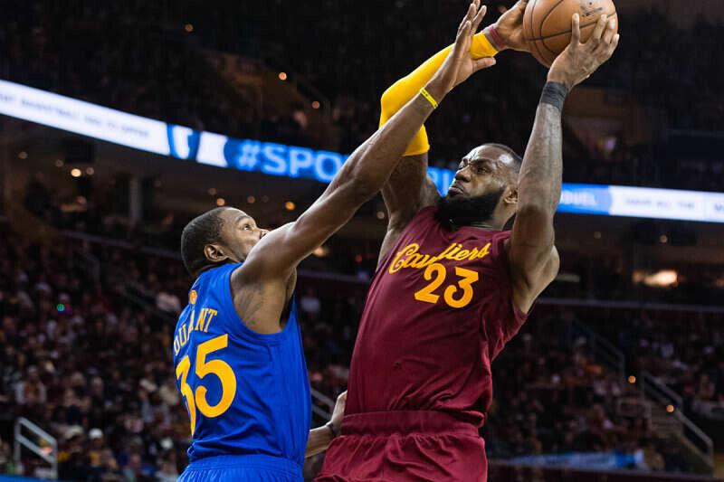 LeBron James y Kevin Durant, estrellas de la NBA