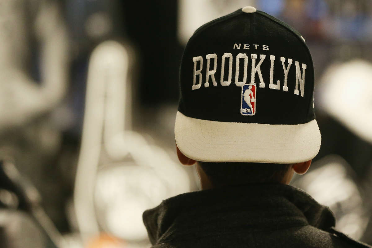 Un fan de Brooklyn Nets