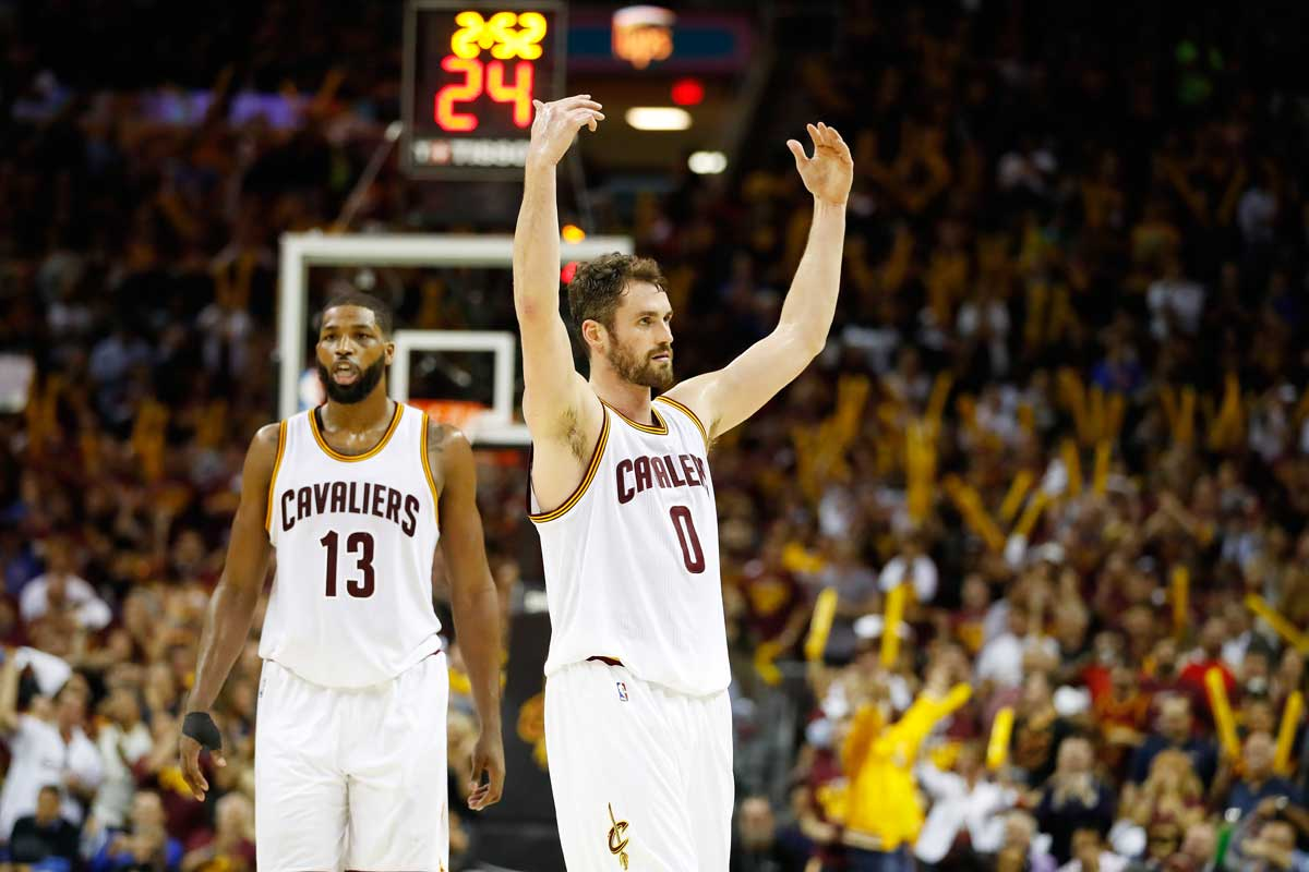 NBA: Cleveland, arrinconado, buscará balancear la final ante Warriors