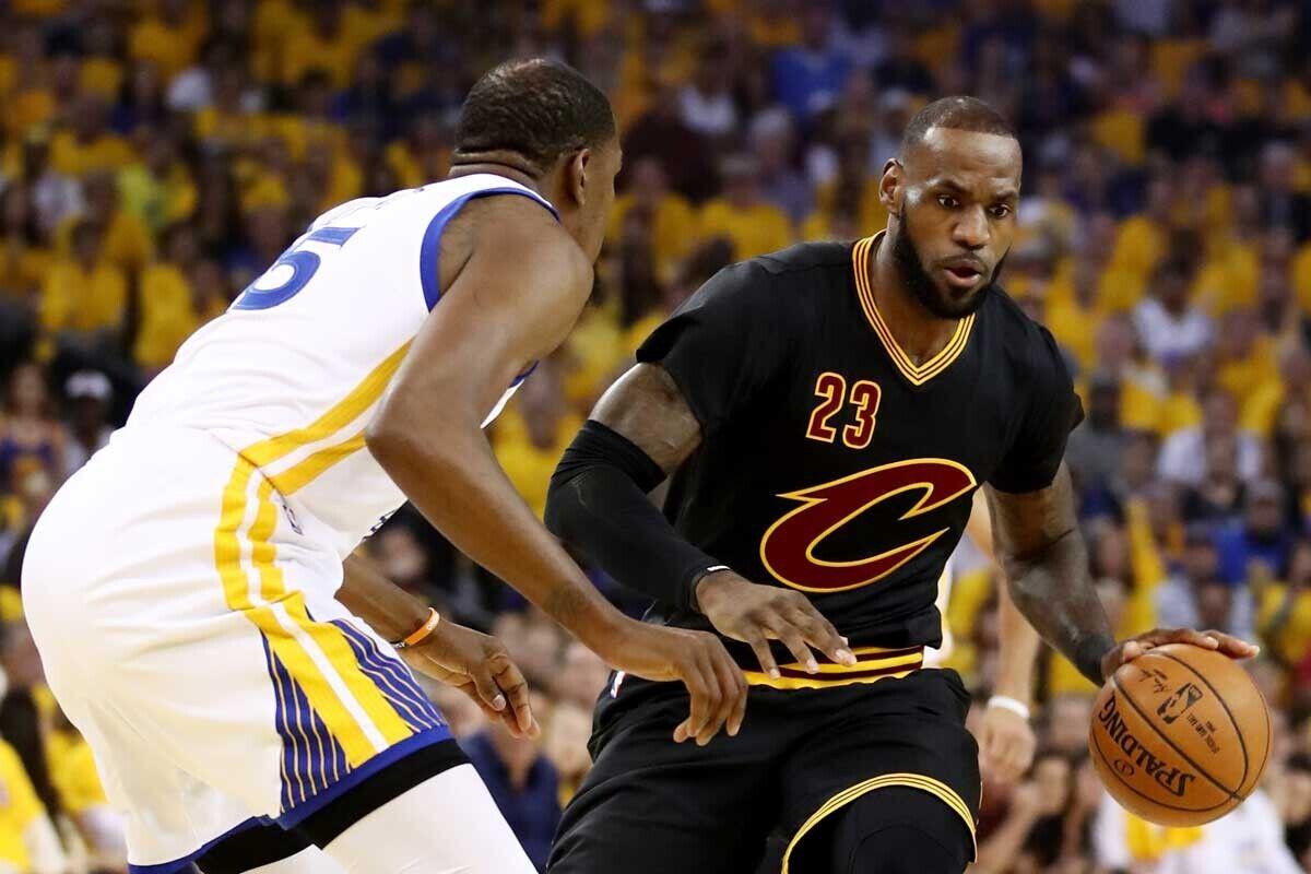 Kevin Durant, jugador de Golden State Warriors; LeBron James, jugador de Cleveland Cavaliers.