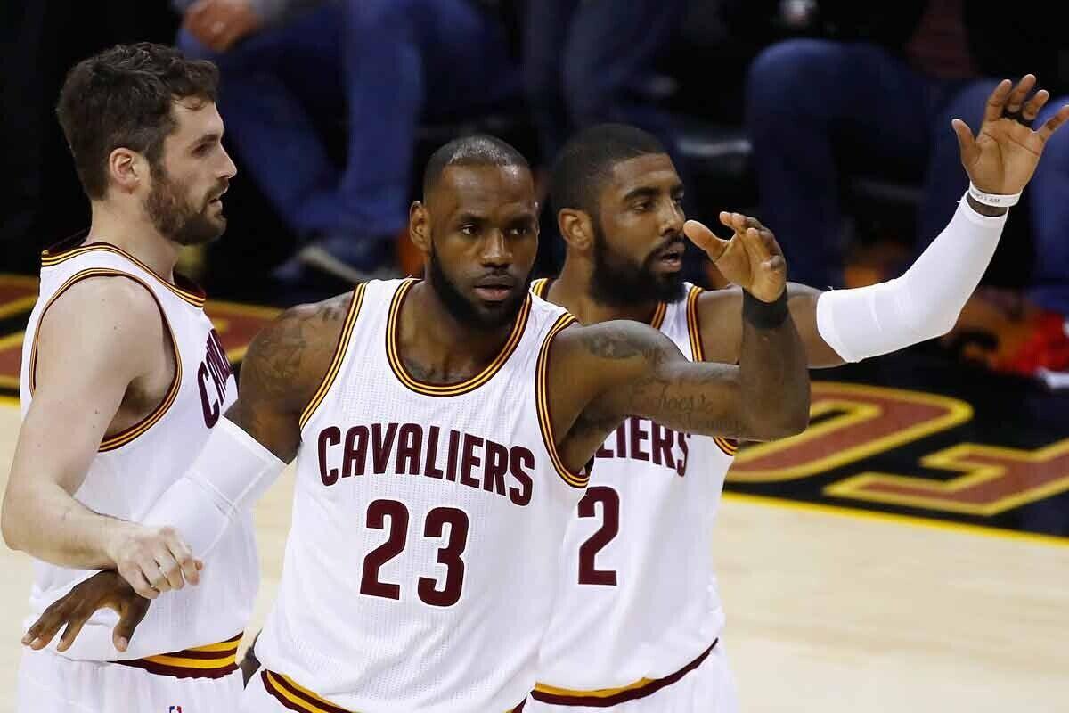 LeBron James, Kyrie Irving y Kevin Love, jugadores de Cleveland Cavaliers