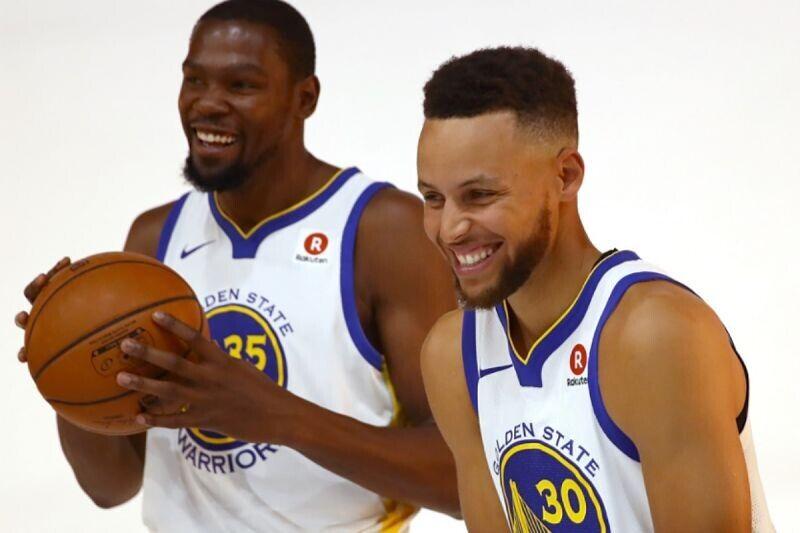 Kevin Durant y Stephen Curry, estrellas de Golden State Warriors